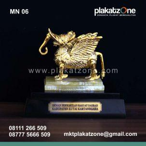 Souvenir Miniatur DPRD Kutai Kartanegara