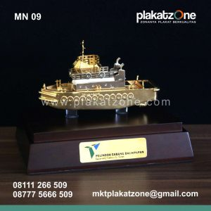 miniatur kapal pelindo cabang balikpapan