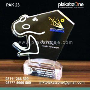 Plakat Akrilik Laser Grafir Turnamen Badminton Jasa Marga