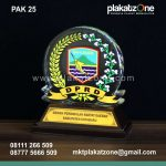 souvenir plakat akrilik dprd kabupaten kotabaru