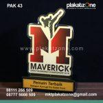 Plakat Akrilik Maverick Pemain Terbaik