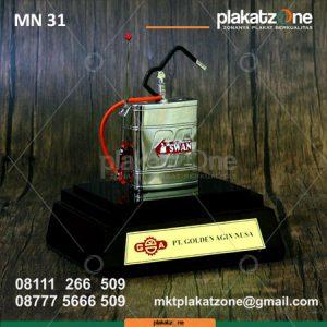 souvenir miniatur pompa semprot