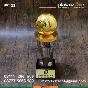 Trophy Piala Champions Soccer Mania