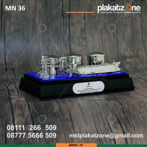 Souvenir Miniatur Kapal Pengangkut Minyak SKK Migas