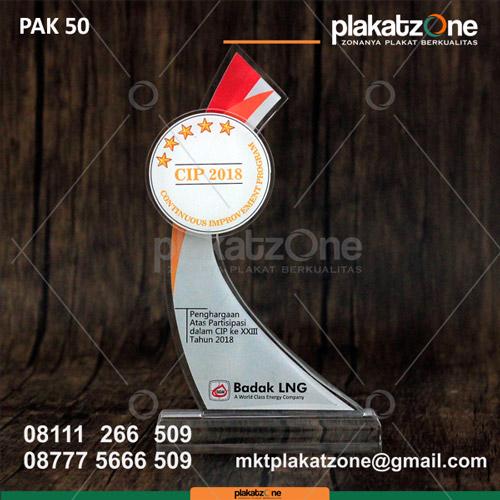 Plakat Akrilik Penghargaan Badak LNG