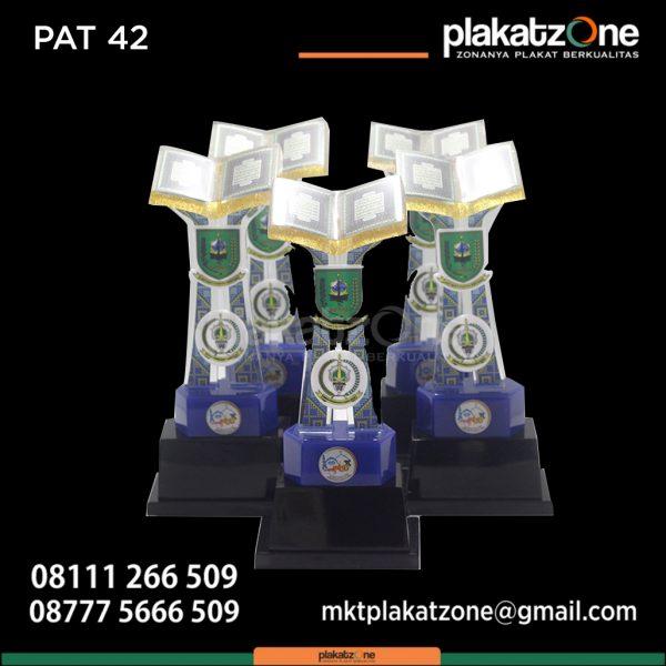 Contoh Desain Piala Resin MTQ Unik