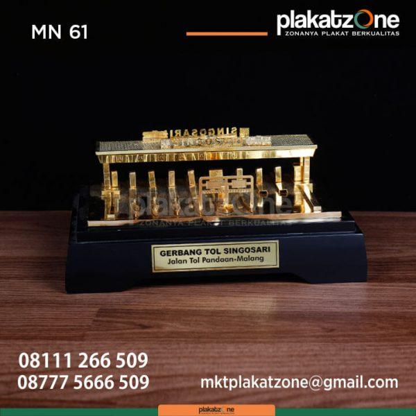 MN61 Souvenir Miniatur Gerbang Tol Singasari