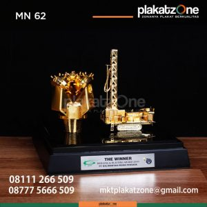 MN62 Souvenir Miniatur Drilling Oil PT Kalimantan Prima Persada