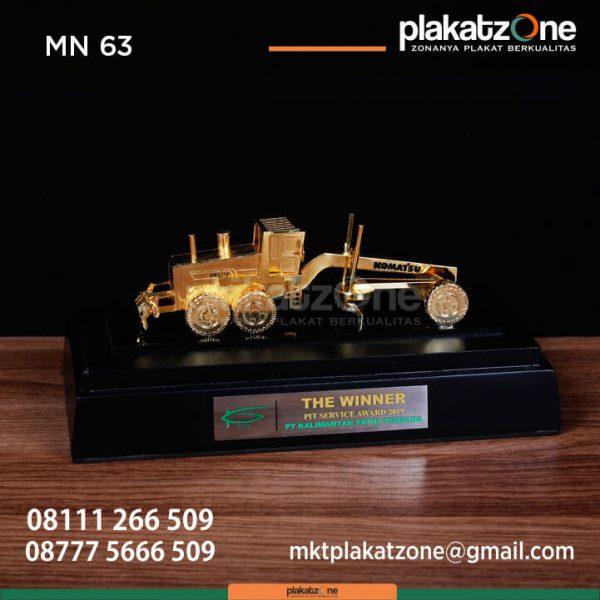 MN63 Souvenir Miniatur Traktor