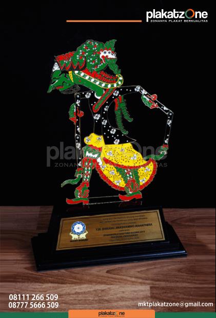 Souvenir Custom Wayang - Souvenir Wayang Terbuat dari Plat Logam Kuningan