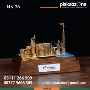 MN78 Souveni Miniatur Kilang Minyak Pertamina Balikpapan